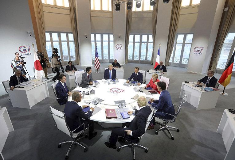 Неспокойный ужин «Большой Семерки». Трамп захотел участия России.