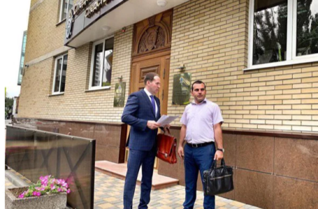 Адвокаты Жорин и Хачатуров в поте лица добывают землю для концерна «Покровский»