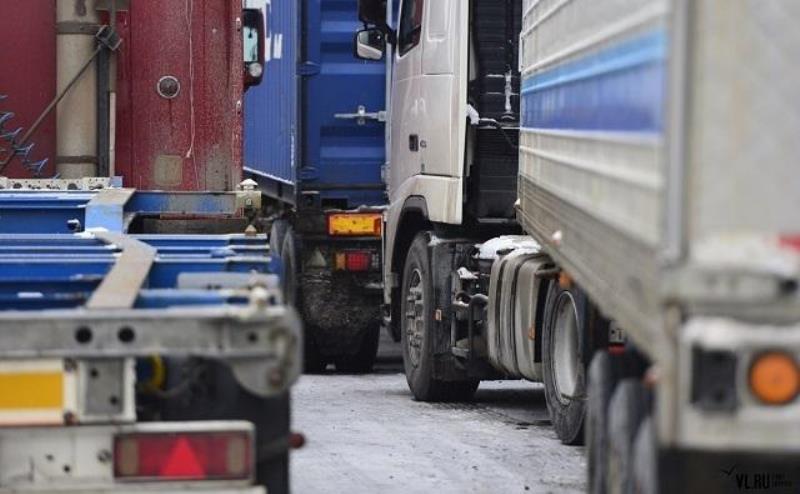Большегрузным авто планируют запретить въезд в Ростов