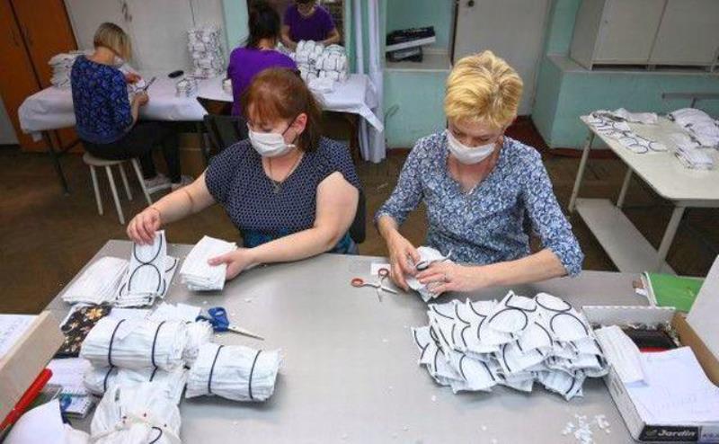 Защитные маски в Ростовской области шьет 117 предприятий