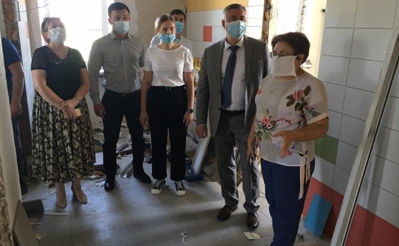 Через 2 недели закончат ремонт в детской поликлинике Батайска