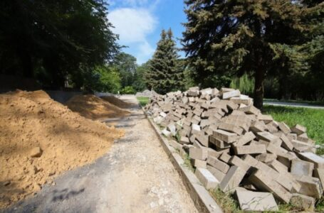 Муниципалитет Ростова пообещал завершить реконструкцию парка Собино нынешней осенью