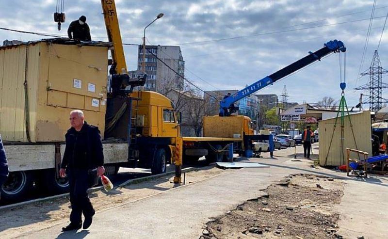В Ростове снесли ларьки ритуальных принадлежностей в Северном жилмассиве