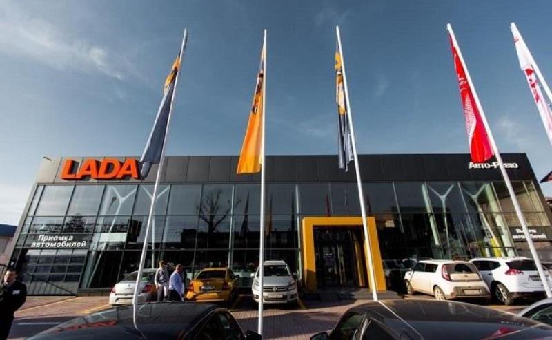У автосалона Lada хотят отобрать земельный участок