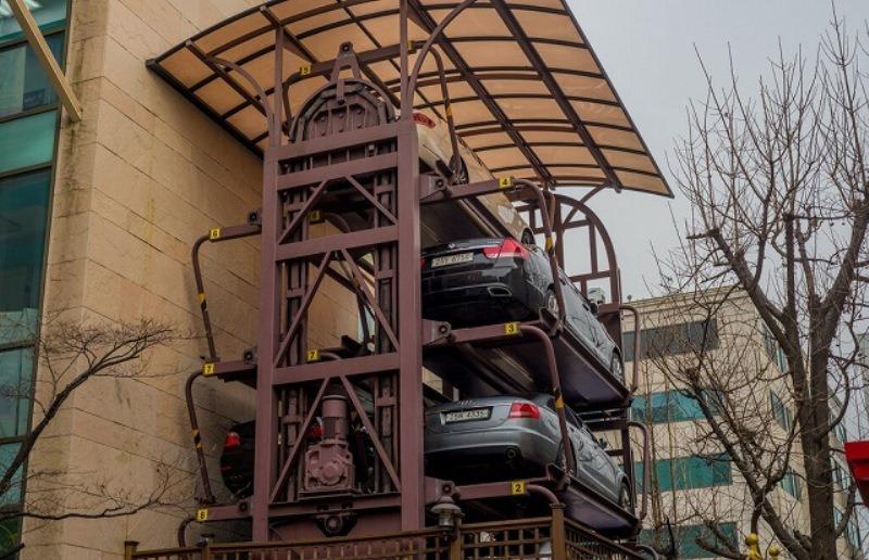 Карусельную парковку в Ростове стилизуют под историческое здание