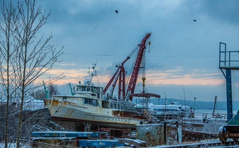 Усть-Донецкий судоремонтный завод признали банкротом