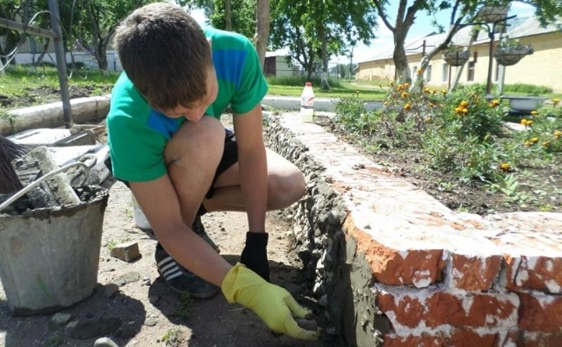 Для летнего трудоустройства школьников в Ростове хотят потратить миллионы
