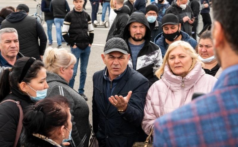 Депутат Госдумы предложил торговцам закрытых рынков работать на его земле