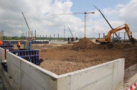 Первый в России полиэфирный завод введут в эксплуатацию в Шахтах в следующем году